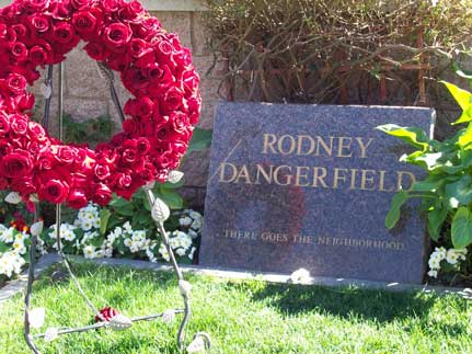 Rodney-dangerfield-tombstone